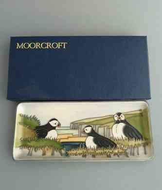 <FONT>MODERN MOORCROFT  PAGE 4</FONT>. puffins pintray2